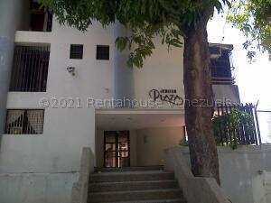 Apartamento En Ventaen Parroquia Caraballeda, Caribe, Venezuela, VE RAH: 21-16798