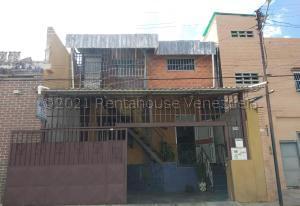 Casa En Ventaen Valencia, Avenida Bolivar Norte, Venezuela, VE RAH: 21-16941