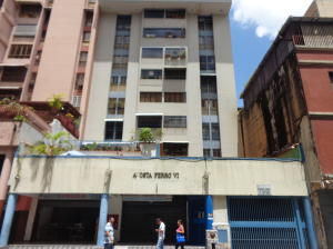 Local Comercial En Ventaen Caracas, Parroquia La Candelaria, Venezuela, VE RAH: 21-16917