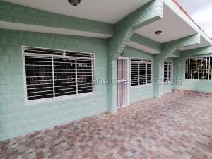 Casa En Ventaen Barquisimeto, Zona Este, Venezuela, VE RAH: 21-16973