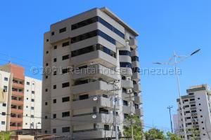 Apartamento En Ventaen Lecheria, Av Bolivar, Venezuela, VE RAH: 21-16974