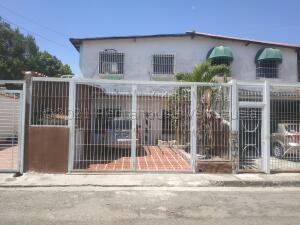 Apartamento En Ventaen La Morita, Los Girasoles, Venezuela, VE RAH: 21-17014