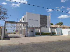 Townhouse En Ventaen Cabimas, Ambrosio, Venezuela, VE RAH: 21-17017