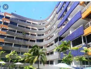 Apartamento En Ventaen Higuerote, Puerto Encantado, Venezuela, VE RAH: 21-17102