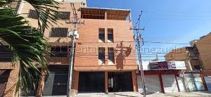 Apartamento En Ventaen Maracay, Zona Centro, Venezuela, VE RAH: 21-17048