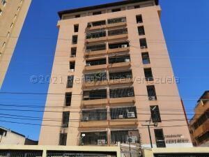 Apartamento En Alquileren Maracaibo, Avenida Bella Vista, Venezuela, VE RAH: 21-17063