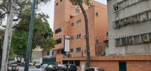 Edificio En Ventaen Caracas, Los Chaguaramos, Venezuela, VE RAH: 21-18547