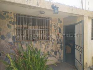 Casa En Ventaen Valencia, La Isabelica, Venezuela, VE RAH: 21-17095