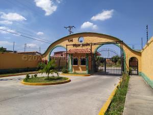 Casa En Ventaen Turmero, Zona Centro, Venezuela, VE RAH: 21-17112