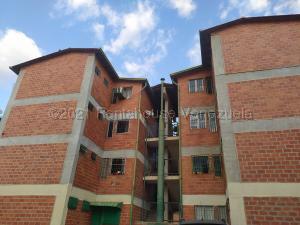 Apartamento En Ventaen Turmero, La Laguna Ii, Venezuela, VE RAH: 21-17203