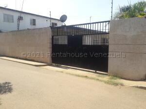 Casa En Ventaen Ciudad Ojeda, Barrio Libertad, Venezuela, VE RAH: 21-17540