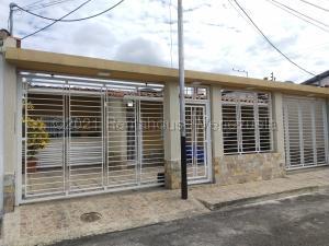 Casa En Ventaen Maracay, Los Sauces, Venezuela, VE RAH: 21-17186