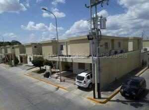 Casa En Ventaen Cabudare, Trapiche Villas, Venezuela, VE RAH: 21-17190