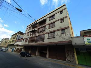 Apartamento En Ventaen Turmero, Zona Centro, Venezuela, VE RAH: 21-17520