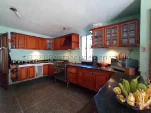 Casa En Ventaen Maracaibo, La Floresta, Venezuela, VE RAH: 21-17234
