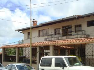 Casa En Ventaen San Antonio De Los Altos, Las Polonias Viejas, Venezuela, VE RAH: 21-17223