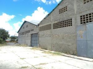 Galpon - Deposito En Alquileren Charallave, Los Samanes, Venezuela, VE RAH: 21-17222