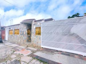 Casa En Ventaen Maracay, La Candelaria, Venezuela, VE RAH: 21-17231