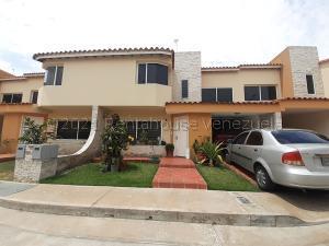Casa En Alquileren Cabudare, Villa Paris, Venezuela, VE RAH: 21-17233