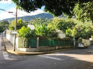 Casa En Ventaen Caracas, Los Palos Grandes, Venezuela, VE RAH: 21-17405