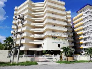 Apartamento En Ventaen Higuerote, Puerto Encantado, Venezuela, VE RAH: 21-17447