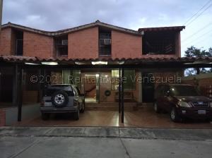 Townhouse En Ventaen Guarenas, Nueva Casarapa, Venezuela, VE RAH: 21-17347