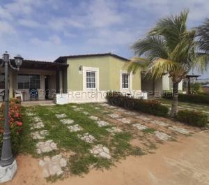 Casa En Ventaen Margarita, Sector San Lorenzo, Venezuela, VE RAH: 21-18572