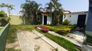 Casa En Alquileren Cabudare, Villa Roca, Venezuela, VE RAH: 21-17299
