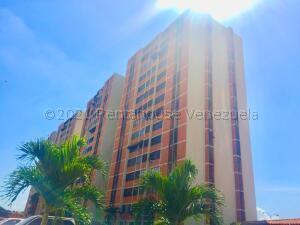 Apartamento En Ventaen Maracay, Bosque Alto, Venezuela, VE RAH: 21-12333