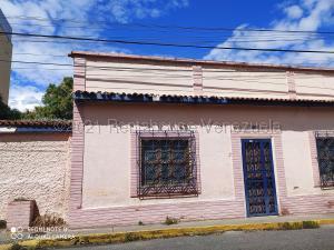 Casa En Ventaen Charallave, Centro De Charallave, Venezuela, VE RAH: 21-18537