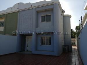 Townhouse En Ventaen Municipio San Francisco, La Coromoto, Venezuela, VE RAH: 21-17348