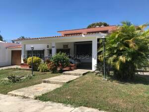 Casa En Ventaen Valencia, Guataparo Country Club, Venezuela, VE RAH: 21-17210
