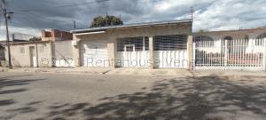 Casa En Ventaen Maracay, San Carlos, Venezuela, VE RAH: 21-17371