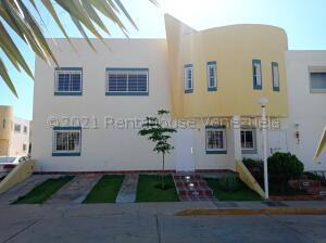 Townhouse En Alquileren Maracaibo, Canchancha, Venezuela, VE RAH: 21-17395