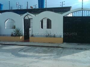 Casa En Ventaen Charallave, Vivienda De Salamanca, Venezuela, VE RAH: 21-17720