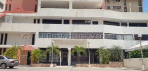 Oficina En Alquileren Maracaibo, Avenida Bella Vista, Venezuela, VE RAH: 21-17453