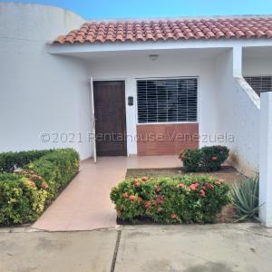Townhouse En Alquileren Maracaibo, Cumbres De Maracaibo, Venezuela, VE RAH: 21-17475