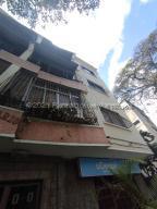 Apartamento En Ventaen Caracas, Los Chaguaramos, Venezuela, VE RAH: 21-22857
