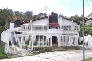 Casa En Ventaen San Antonio De Los Altos, El Cuji, Venezuela, VE RAH: 21-17488