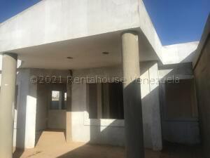 Casa En Ventaen Punto Fijo, Puerta Maraven, Venezuela, VE RAH: 21-17497