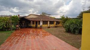 Casa En Ventaen Municipio Montalban, Agua De Obispo, Venezuela, VE RAH: 21-17502