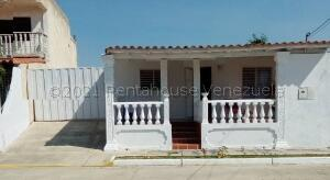Casa En Ventaen Barquisimeto, Parroquia Catedral, Venezuela, VE RAH: 21-17539