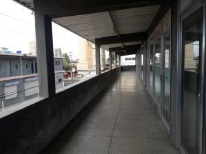Local Comercial En Alquileren Maracaibo, Avenida Bella Vista, Venezuela, VE RAH: 21-17533