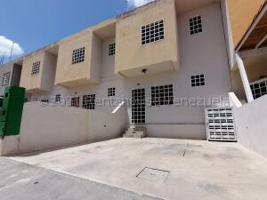 Casa En Alquileren Cabudare, La Mata, Venezuela, VE RAH: 21-17541