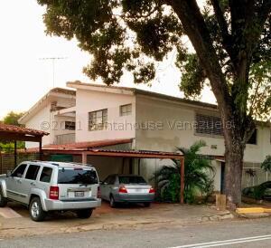 Casa En Ventaen Caracas, Santa Cecilia, Venezuela, VE RAH: 21-17556