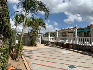 Casa En Ventaen Caracas, Prados Del Este, Venezuela, VE RAH: 21-18075