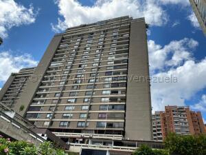 Apartamento En Ventaen Caracas, Prados Del Este, Venezuela, VE RAH: 21-17569