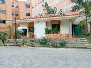 Apartamento En Alquileren Valencia, Agua Blanca, Venezuela, VE RAH: 21-17647
