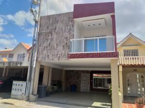 Townhouse En Ventaen Cabimas, Las 40, Venezuela, VE RAH: 21-17630