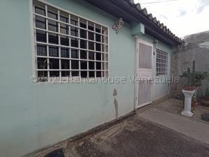 Casa En Ventaen Barquisimeto, Parroquia El Cuji, Venezuela, VE RAH: 21-17635